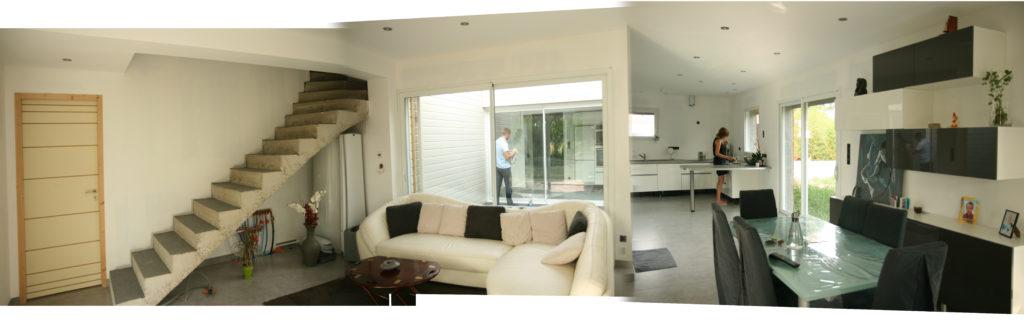 Visite d 39 une maison individuelle neuve patio saint for Maison individuelle neuve
